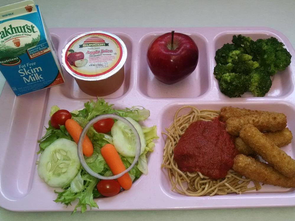 Baked Mozzarella Sticks, Whole Grain Spaghetti & Marinara Sauce, Salad, Broccoli, Apple, 100% Juice and Milk