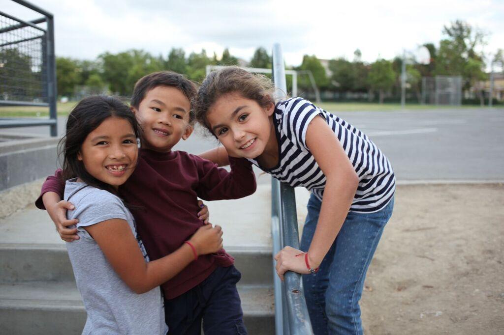 Children building relationships in TheLAB Before & After School program.