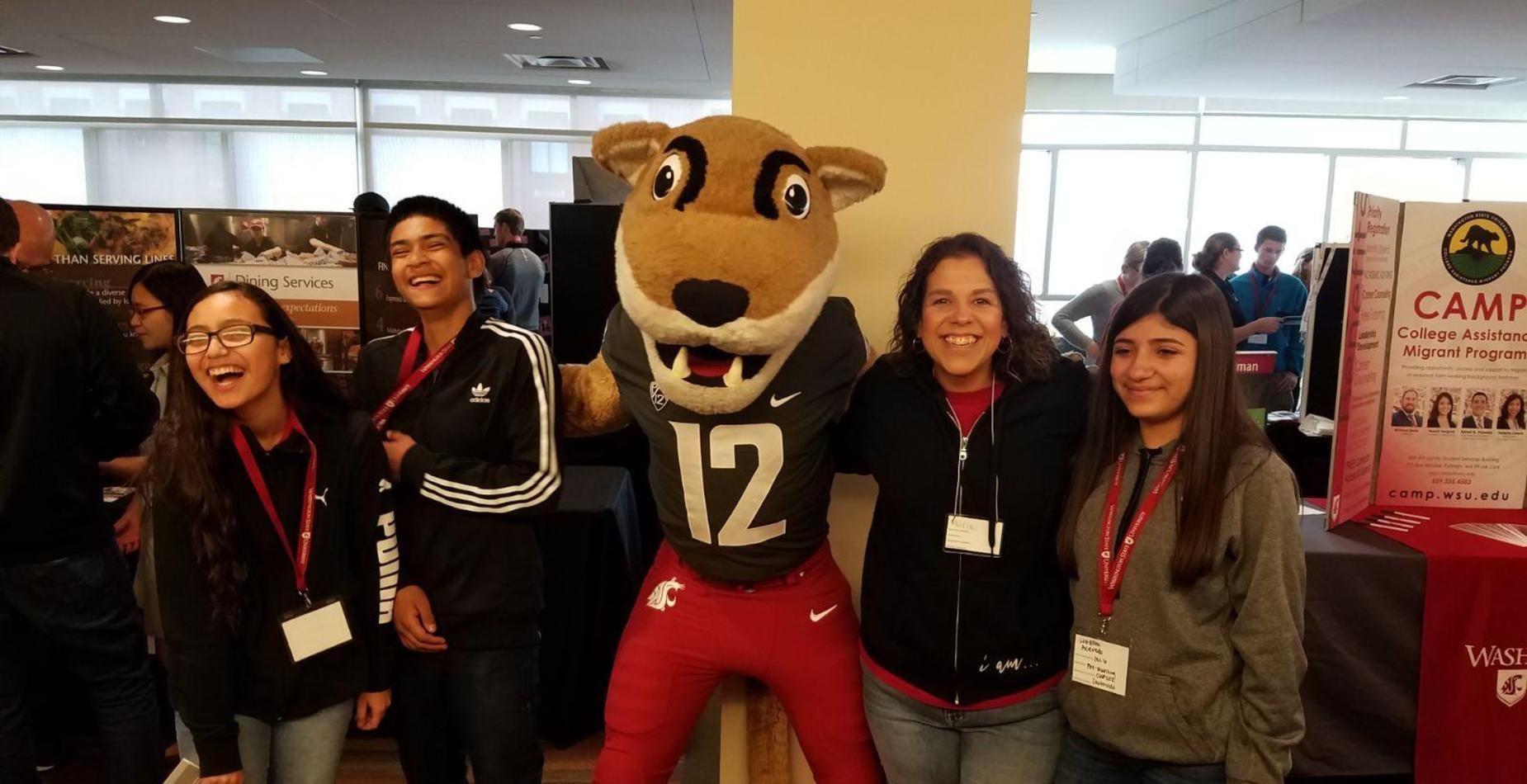 Ms. Maldonado and students at WSU