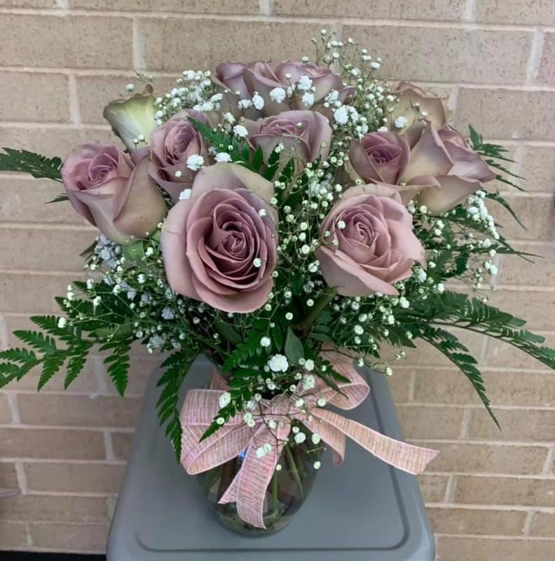 Mother's Day Floral Arrangement Featured Photo