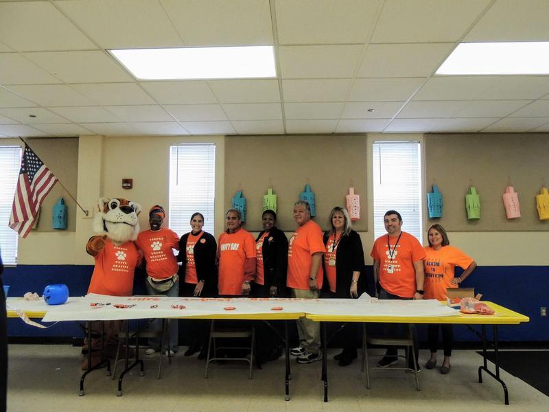 Unity Day: bullying prevention / Día de la Unidad: prevención de bullying Thumbnail Image