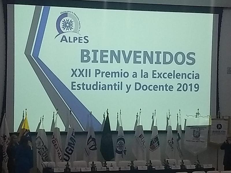 XXII Entrega de premios a la excelencia estudiantil y docente. Featured Photo