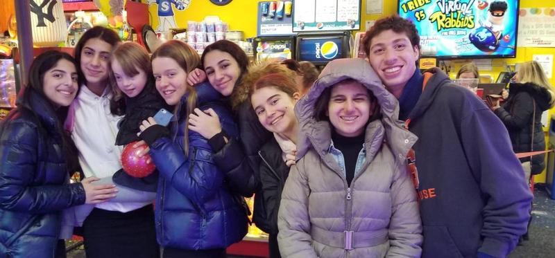North Shore Students & Friendship Circle Thumbnail Image