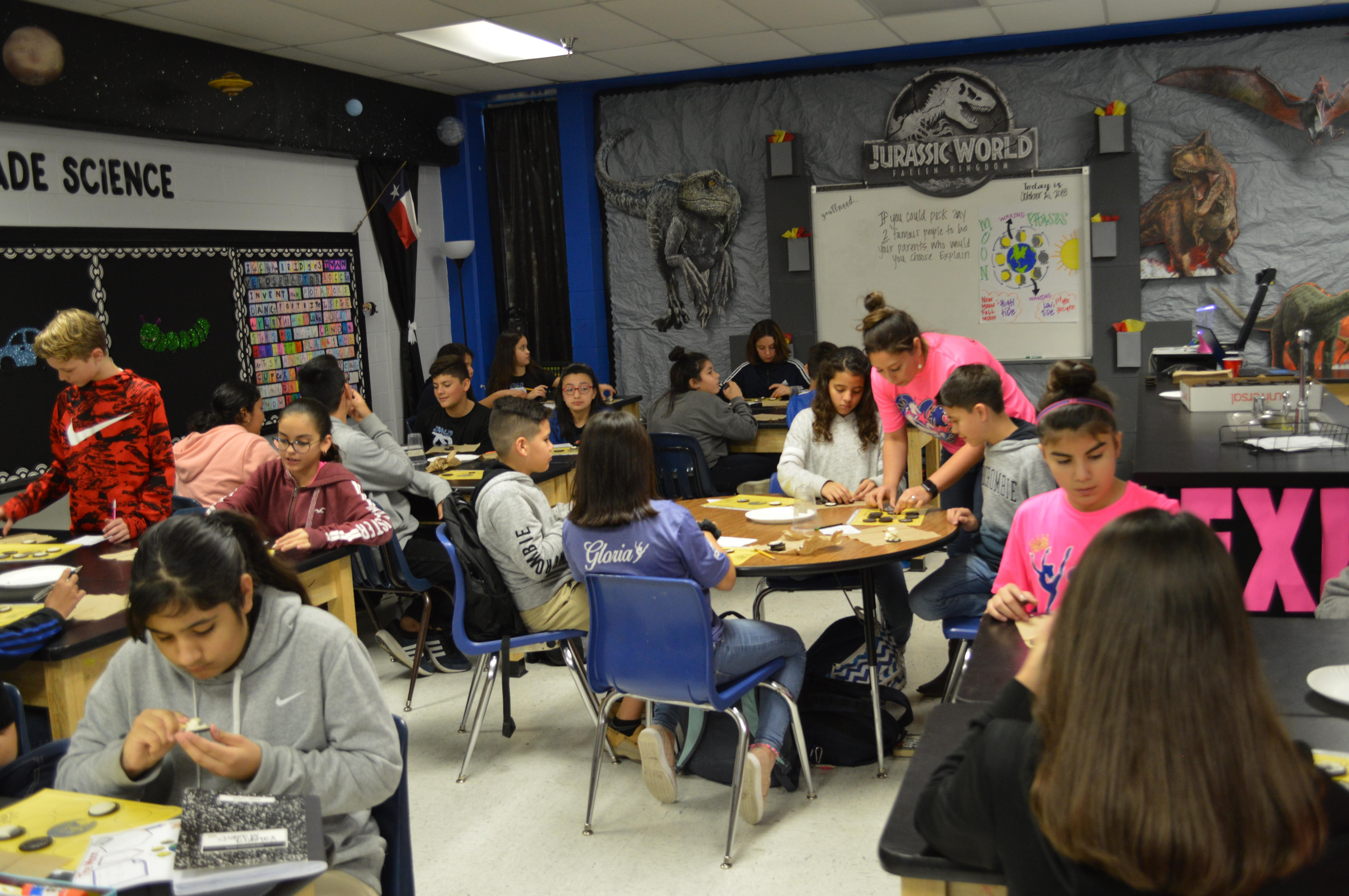 Picture of Mrs. Salinas Class doing a Science Experiment