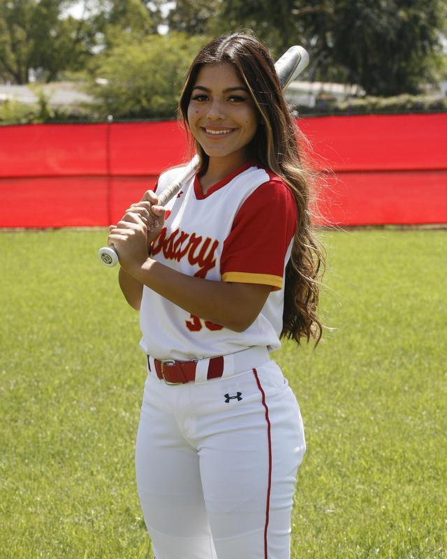 Senior Isabella Fuentes Commits to UCSB Featured Photo