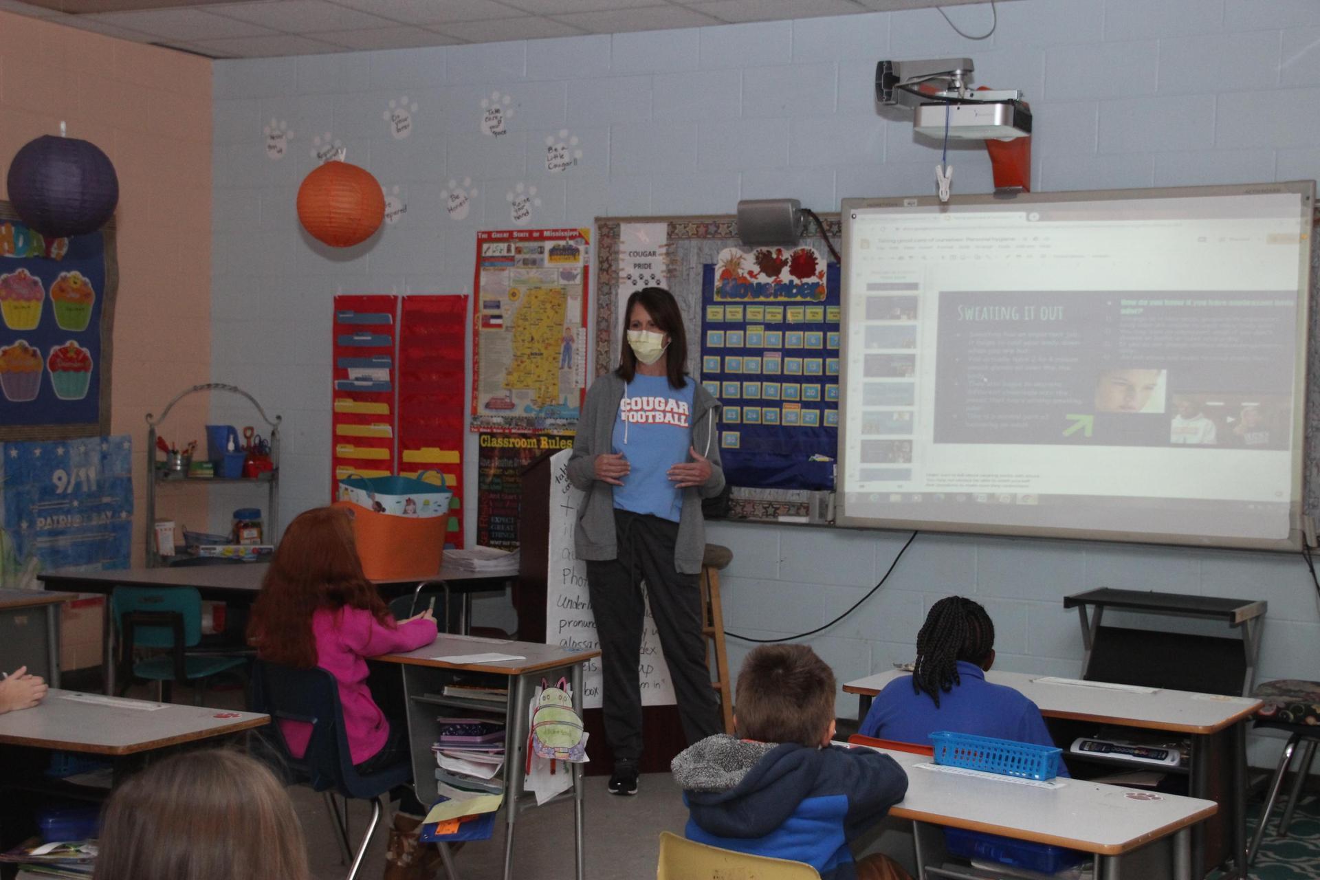 Nurse Speaks to Students on Proper Hygiene