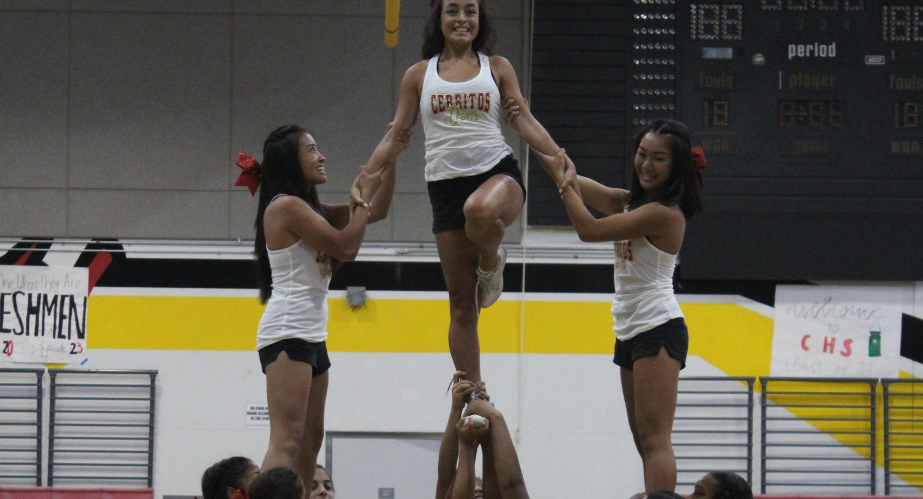 Cheer during Freshmen Orientation