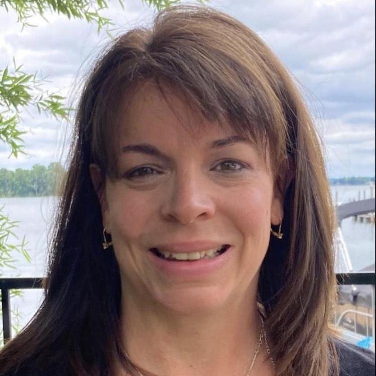 Jennifer Stone's Profile Photo
