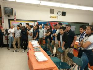 students lining up to eat