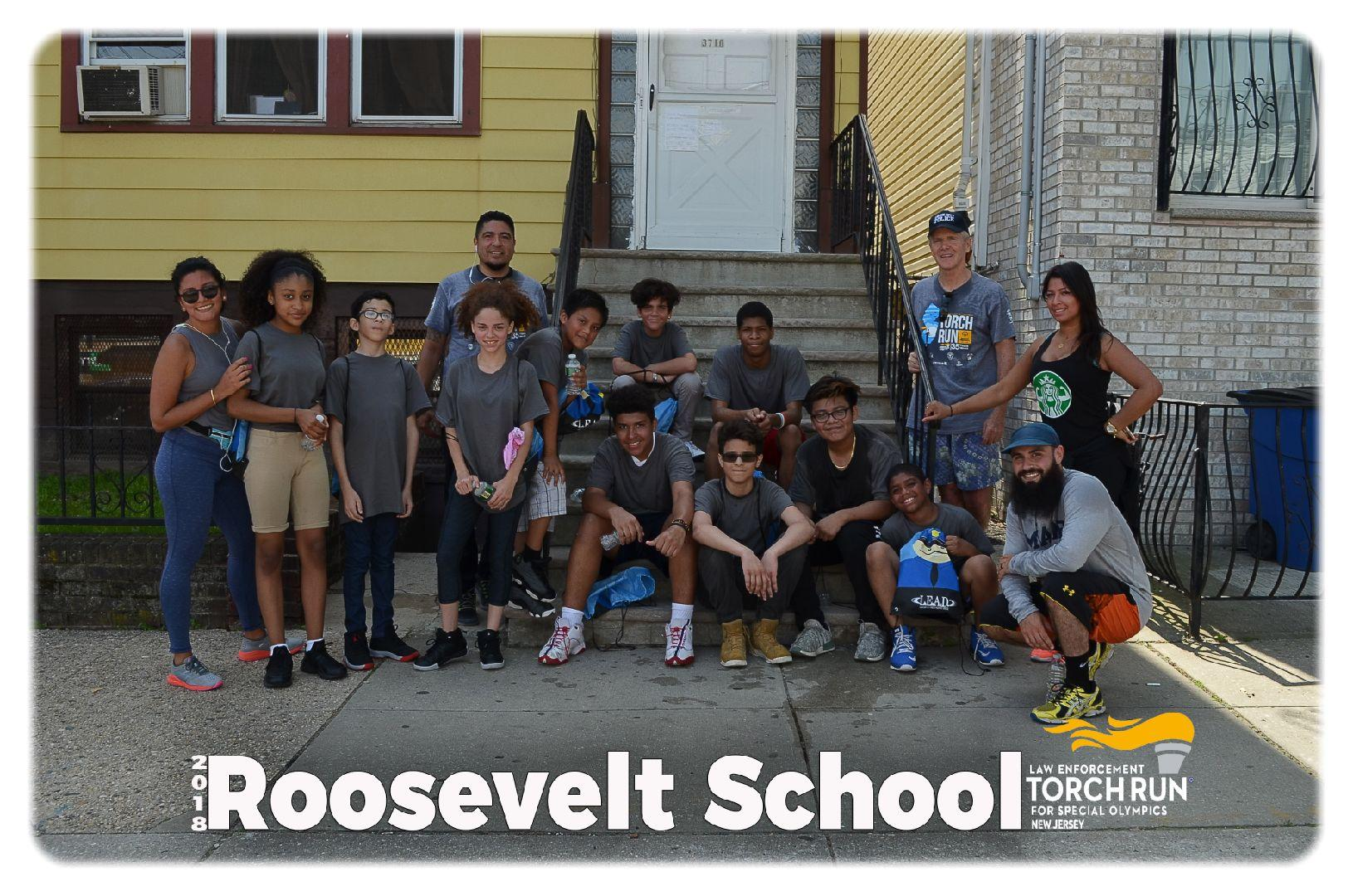 Roosevelt School torch run runners