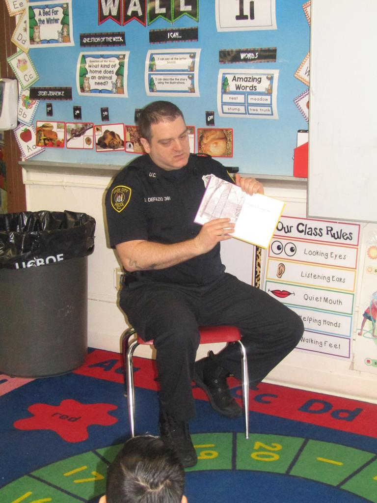 uc pd reading to the kids
