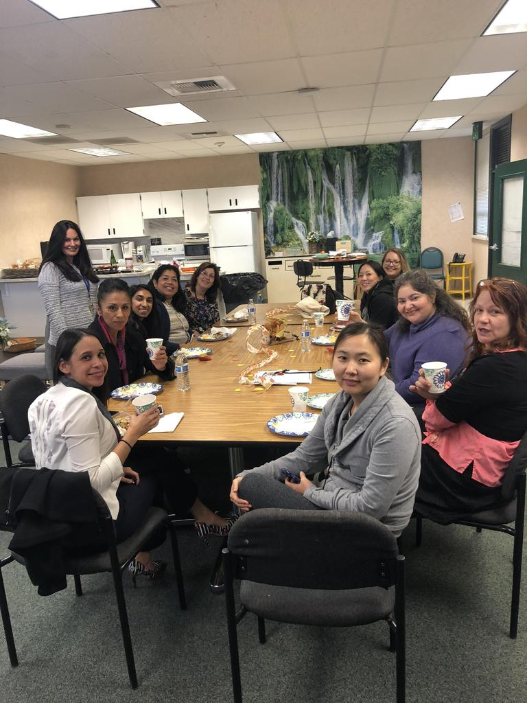 Santee staff eats Thanksgiving lunch