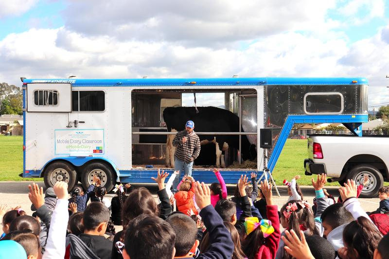 The Mobile Dairy Classroom Makes A Stop At Loma Vista Elementary Featured Photo