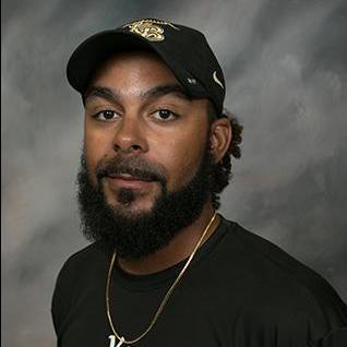 Aaron Warren's Profile Photo