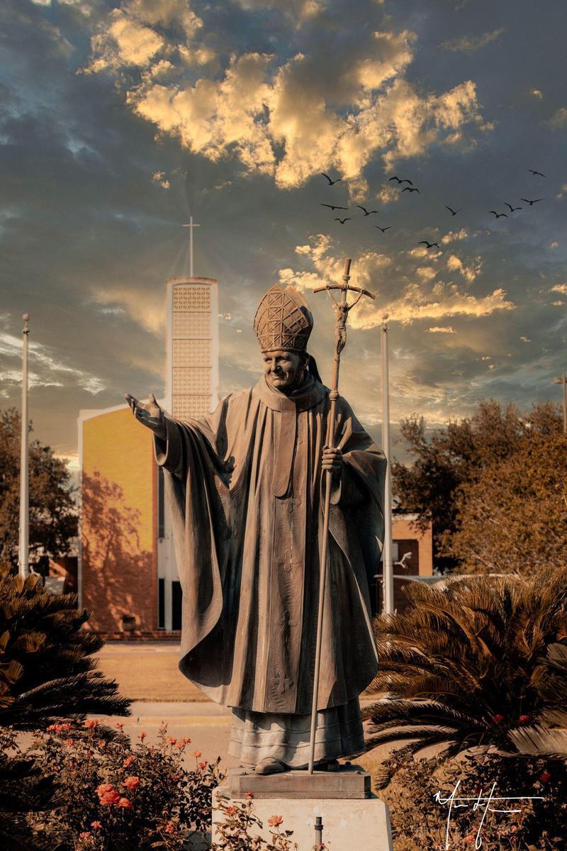 Statue of StJPII