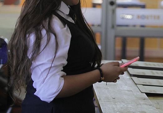 El mundo en el que nuestros estudiantes van a desenvolverse no es uno libre de celulares Featured Photo