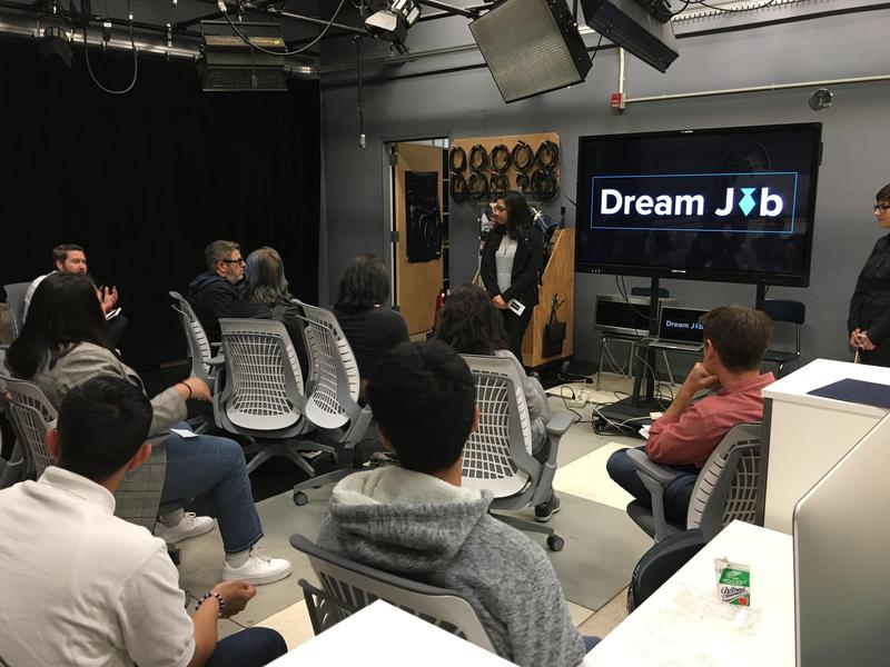 6 Entertaiment Executives Hear Pitches from Seniors Filmmakers Featured Photo