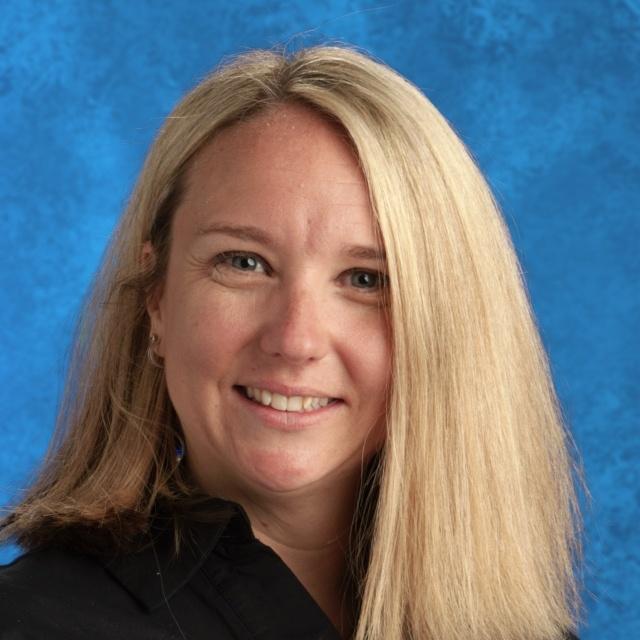 Danielle Flores's Profile Photo