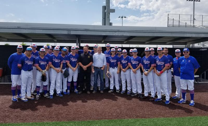 Waco Midway baseball team with CISD Transportation members