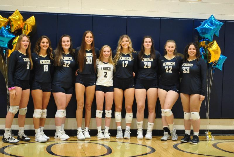 Pic of Knoch Volleyball Seniors