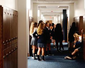 th_students_hallway