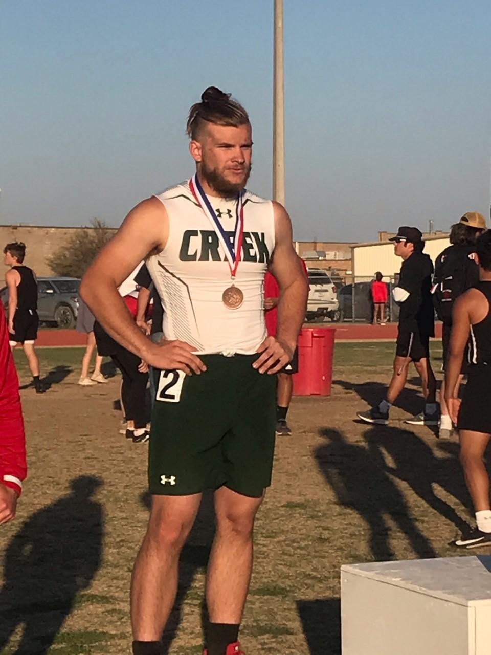 Lucas Jordahl advanced to Area Competition in 100-m Dash.