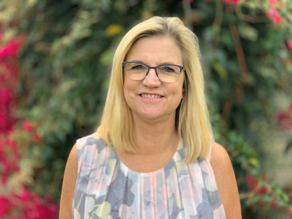 Paula Montalbo, Business Manager