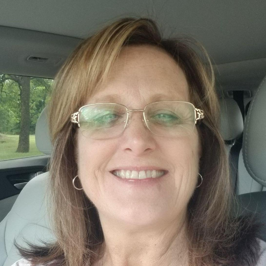 Debbie Gibson's Profile Photo