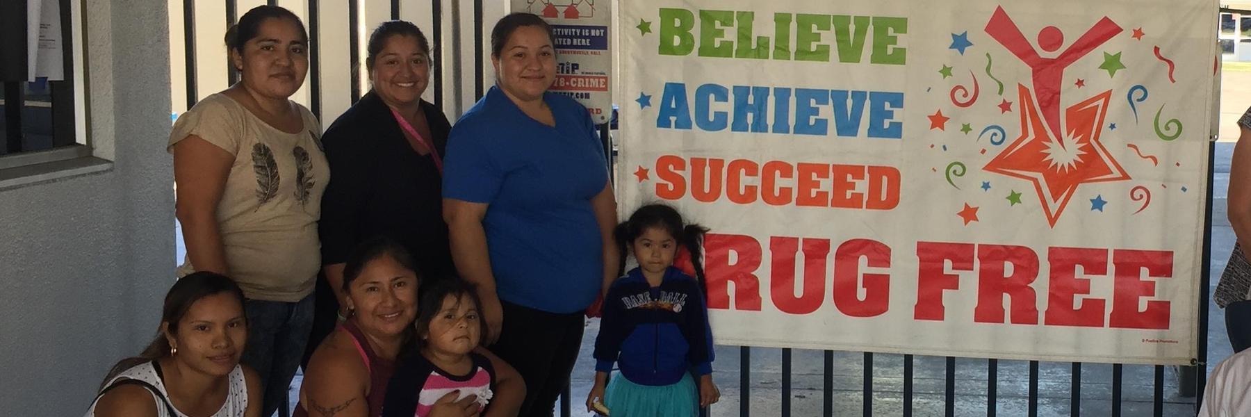 HSO parent volunteers help with Red Ribbon Week