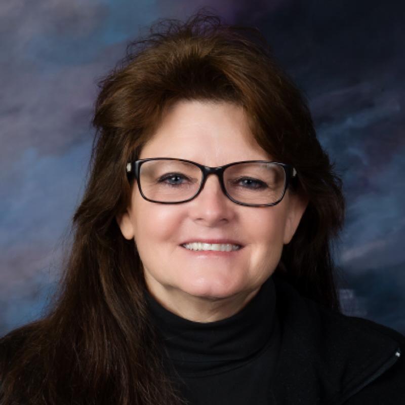 Julie Buzianis's Profile Photo