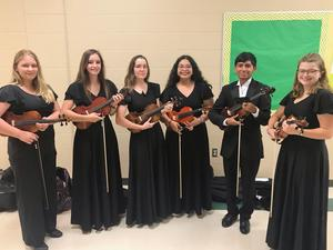 CHS Orchestra members