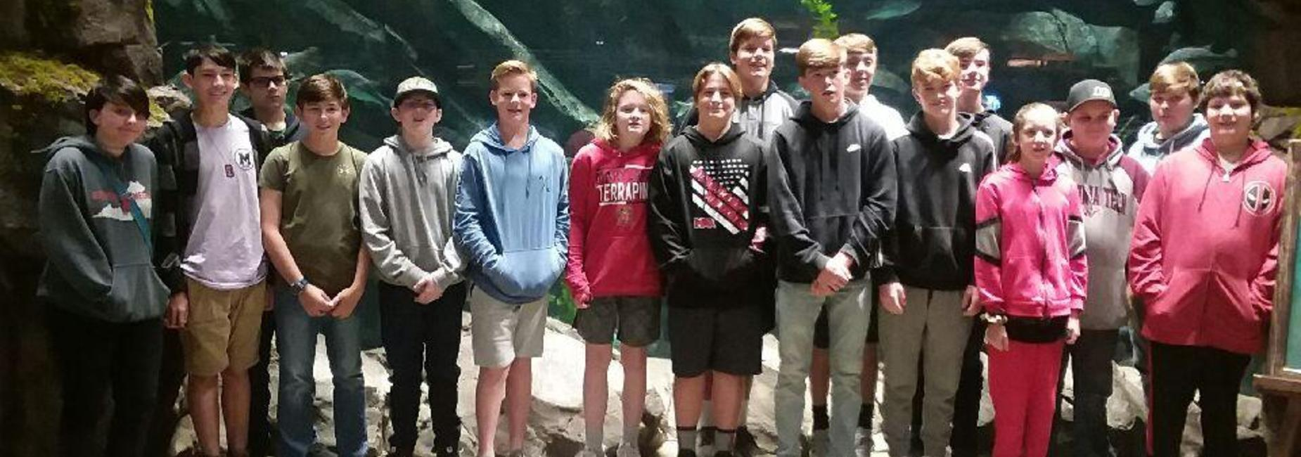 Students on field trip to Bass Pro.