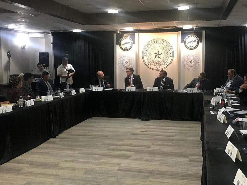 picture of officials during roundtable meeting