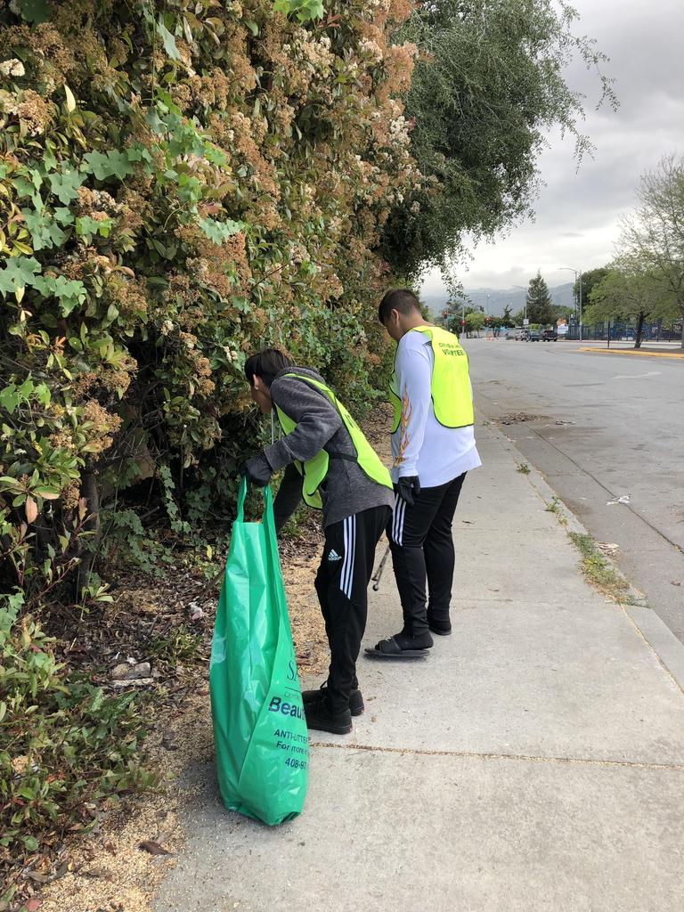 CCA students volunteer for neighborhood clean-up.