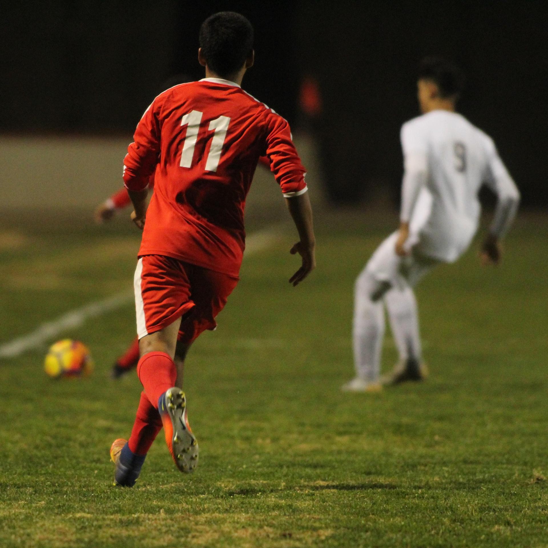 Crsitobal Galvan running towards ball