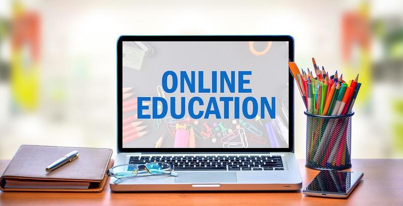 computer with online edu.