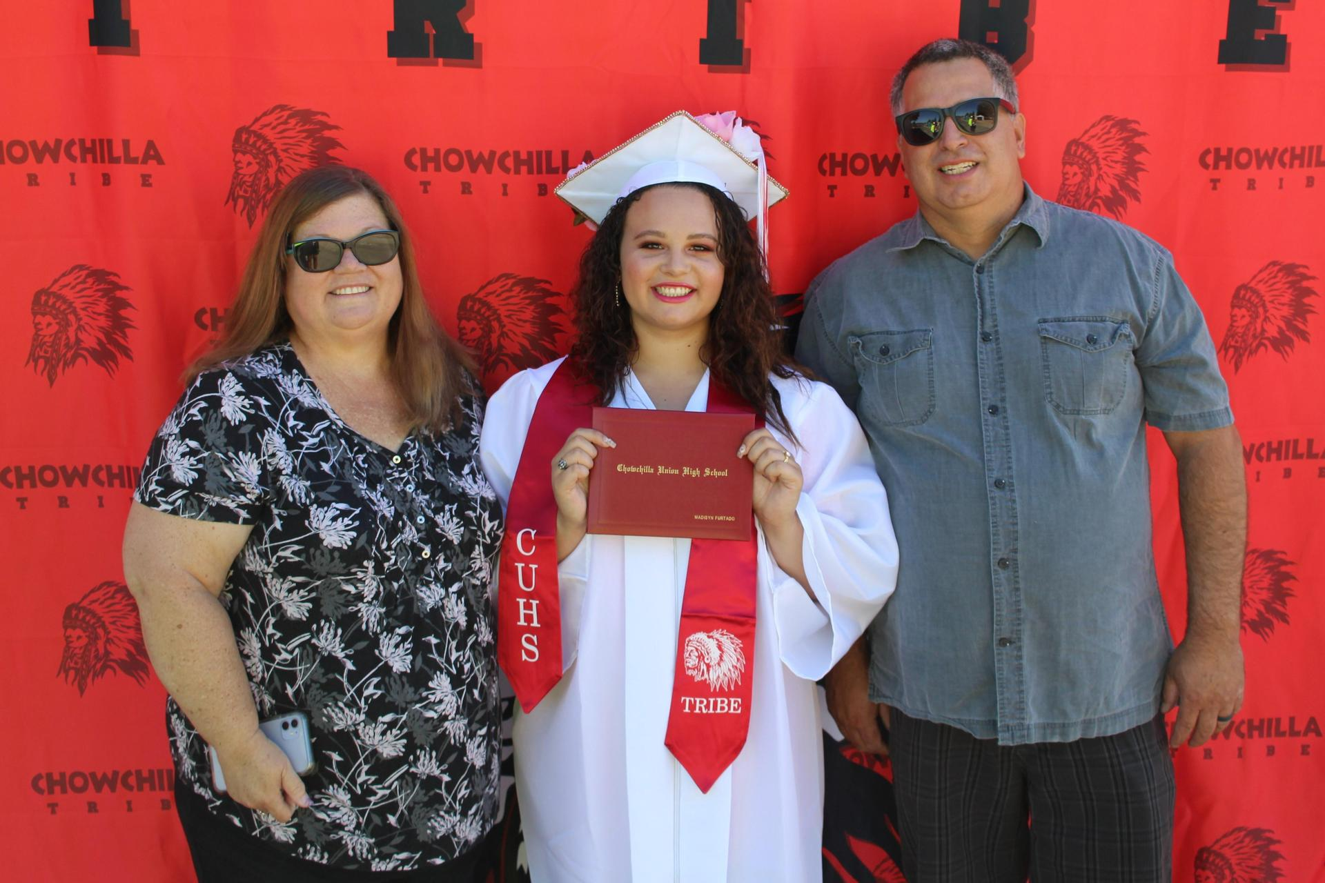 Madisyn Furtado and family