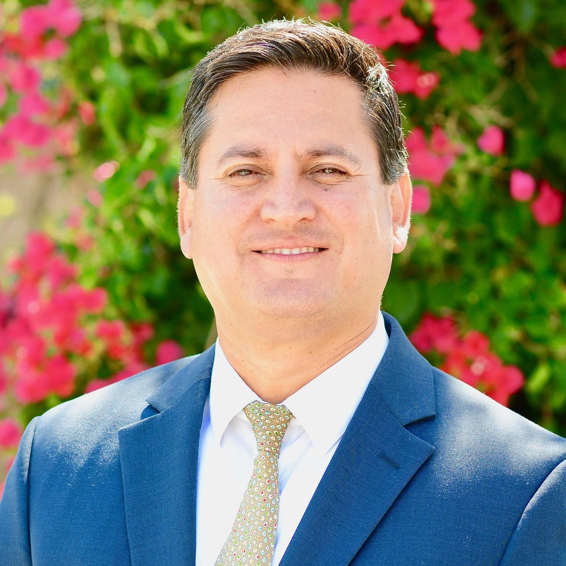 Roy Vasquez P'22's Profile Photo
