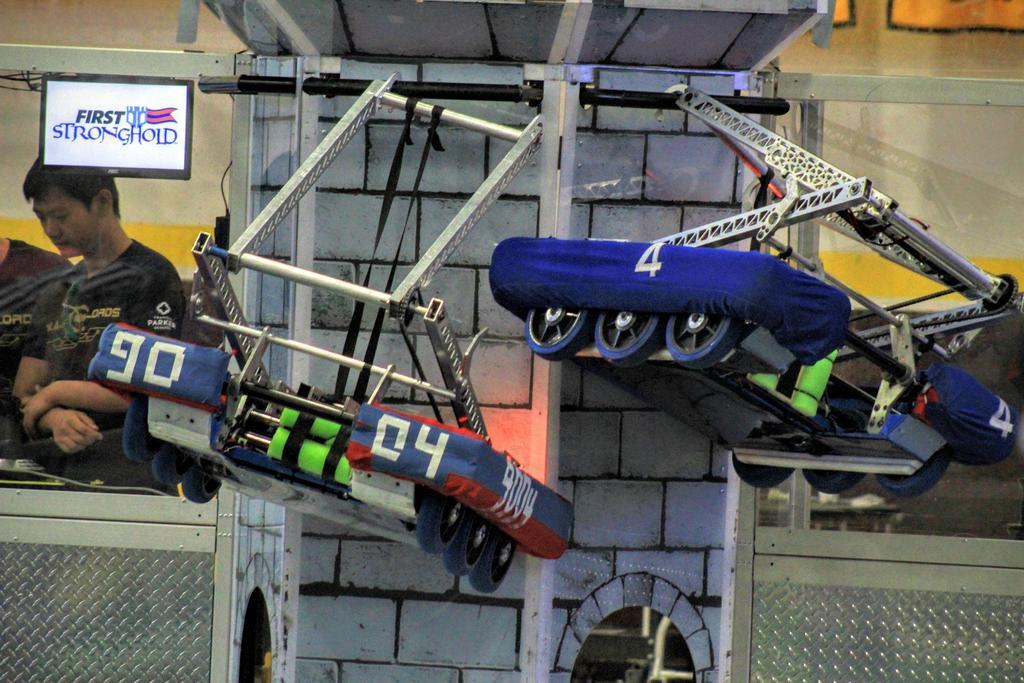 Practice robot and main robot hanging