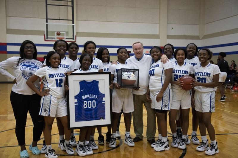 800th WIN FOR COACH GATES Featured Photo