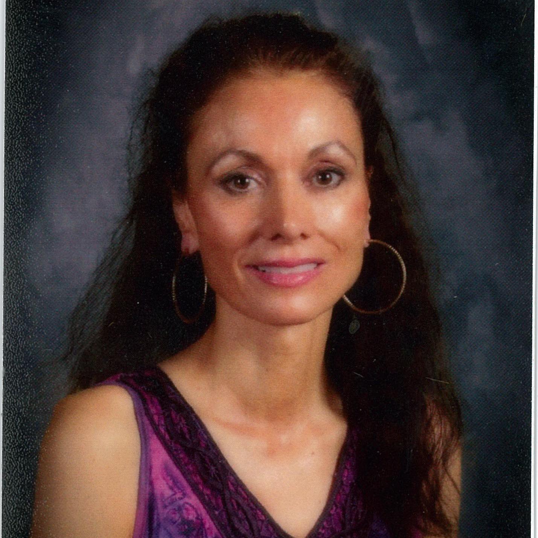 Elizabeth Jones's Profile Photo