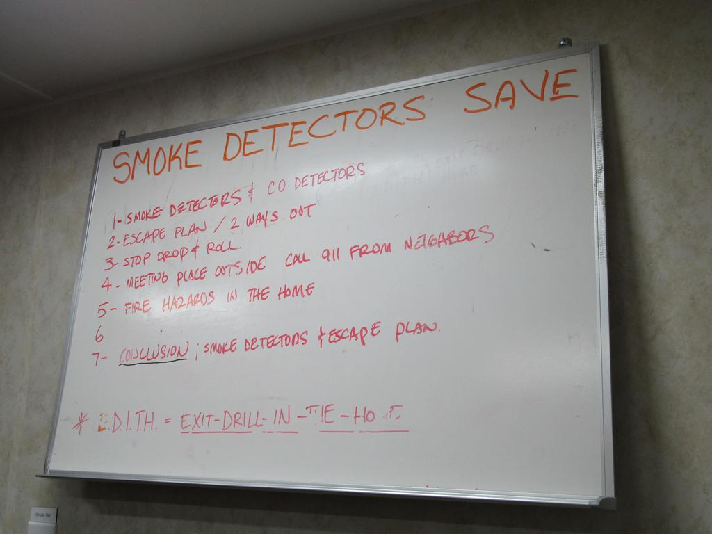 smoke detector safety notes