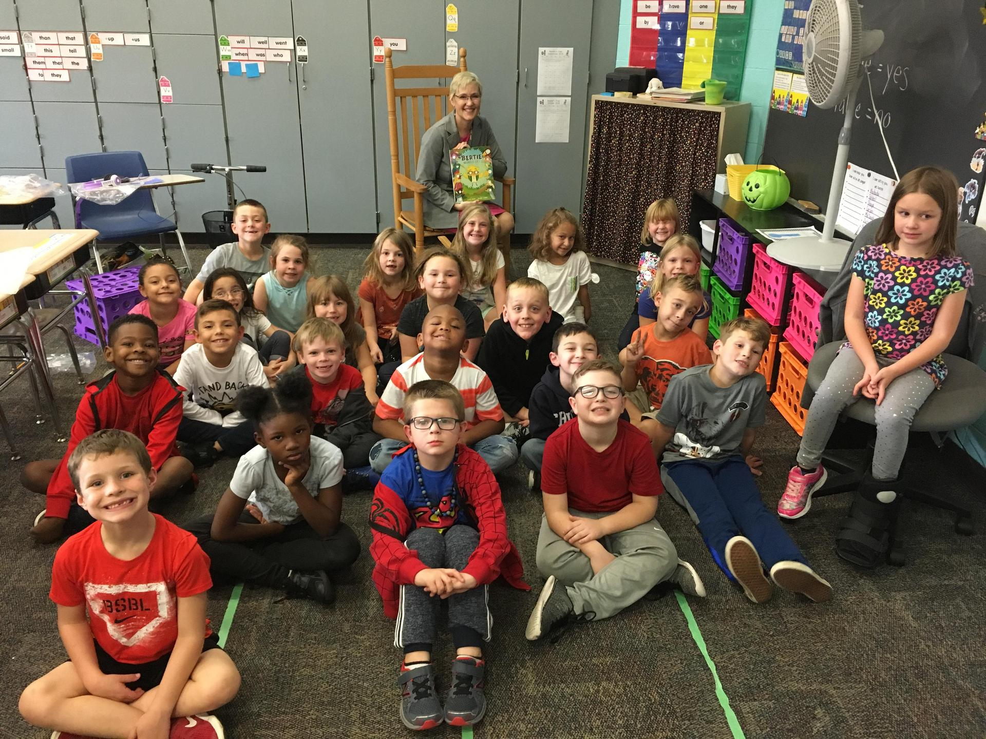Superintendent Dr. Julie Lauck visited Flint Lake as a mystery reader.