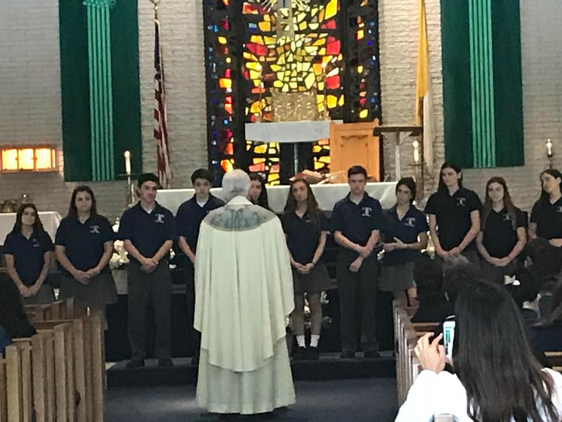 Students Newly Installed as Eucharistic Ministers Featured Photo