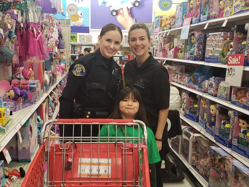 'Tis the Season for Shopping with a Cop Thumbnail Image