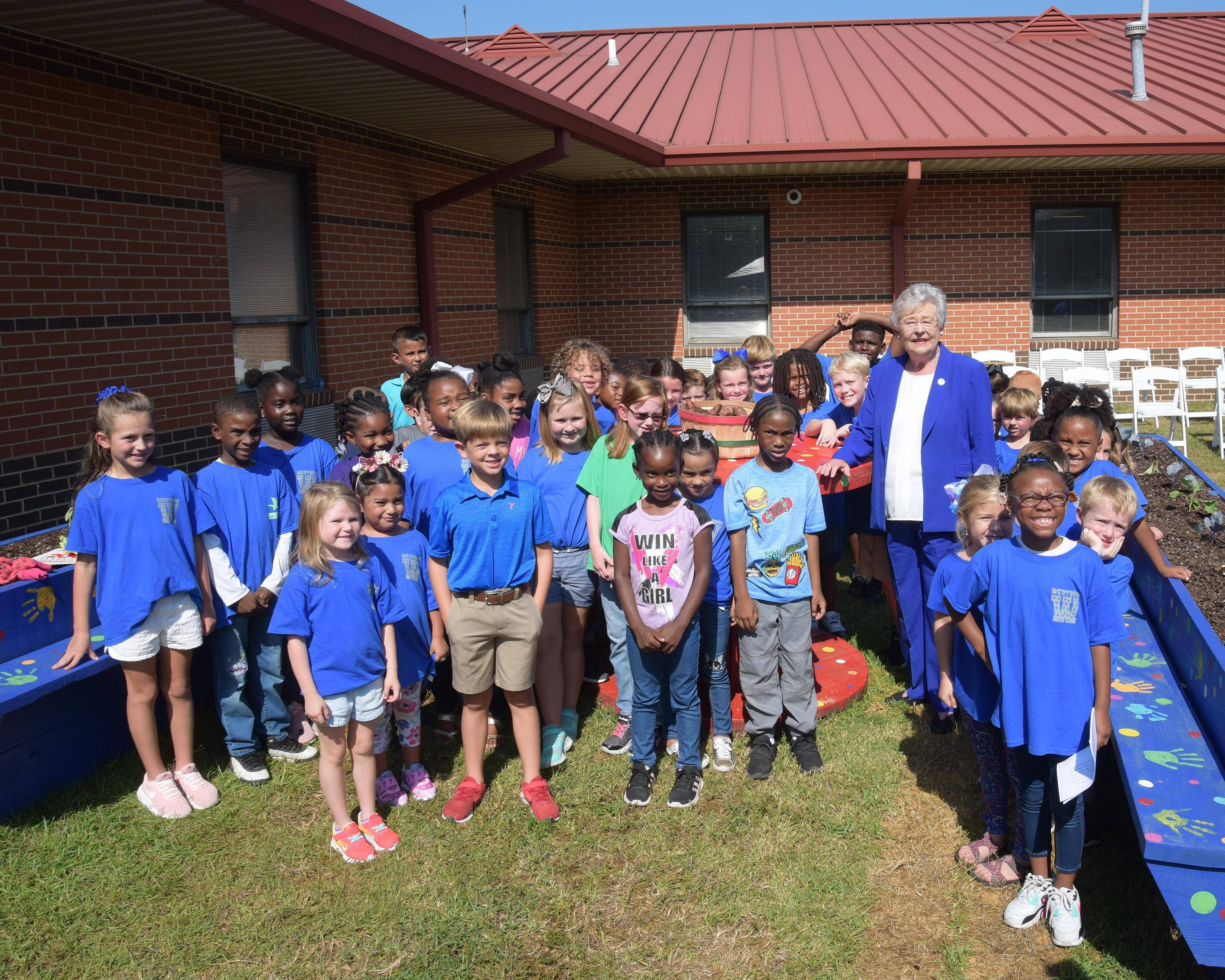 WES Garden Club and Governor Ivey
