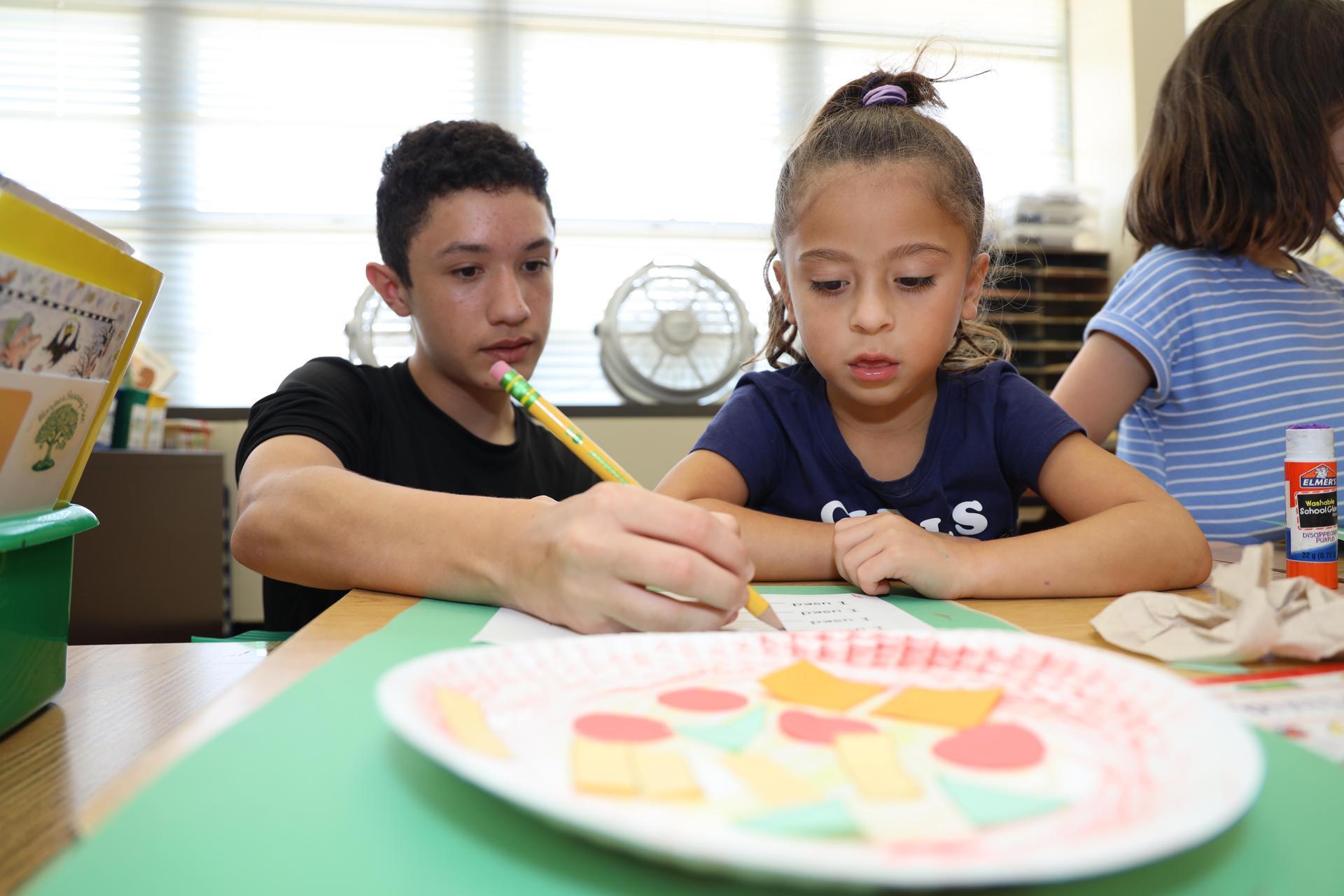Bonnette students mentor Carpenter children