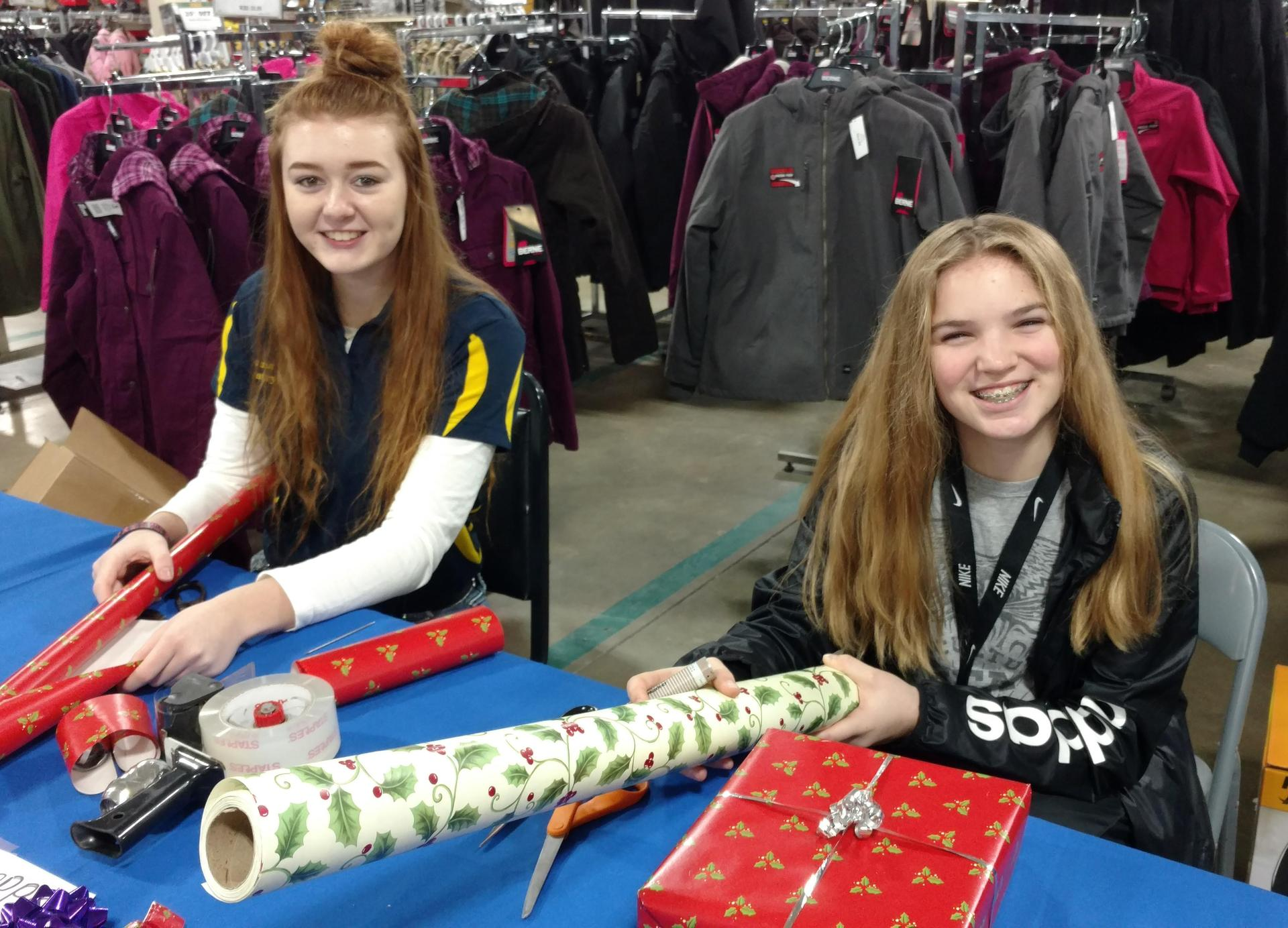 FFA wrapping presents at Family Farm Home