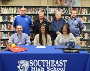 Lauren Pickett Signs with EMCC Softball