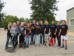 TKHS Student Council members prepare for their United Way Day of Caring.